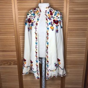 Vintage embroidered wool cape poncho S-M